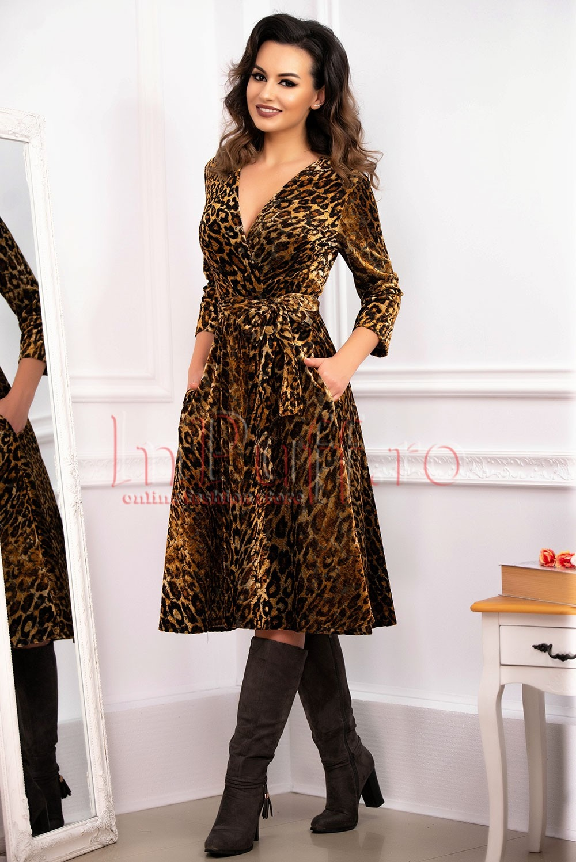 rochie-animal-print-eleganta-din-catifea-cu-decolteu-petrecut-1541508649-4