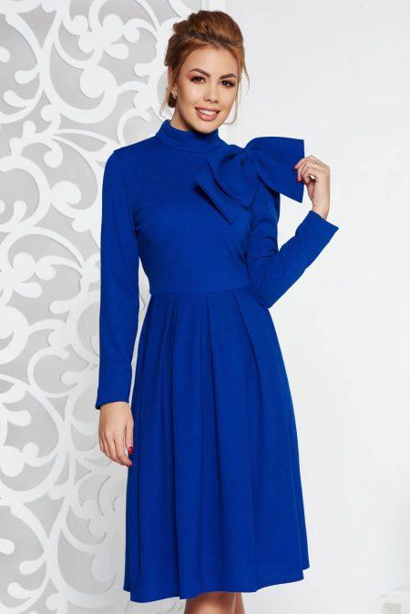rochie-albastra-eleganta-in-clos-din-material-usor