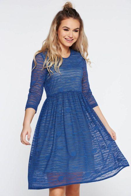 rochie-starshiners-albastra-de-zi-in-clos-din-material-transparent-captusita-pe-interior