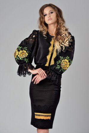 Bluza dama tip ie croi lejer neagra cu danela si broderie motive traditionale
