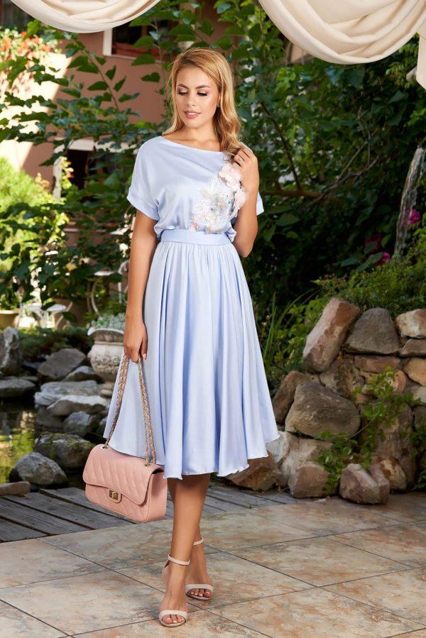 Rochie de ocazie de zi in clos cu elastic la talie si fusta ampla