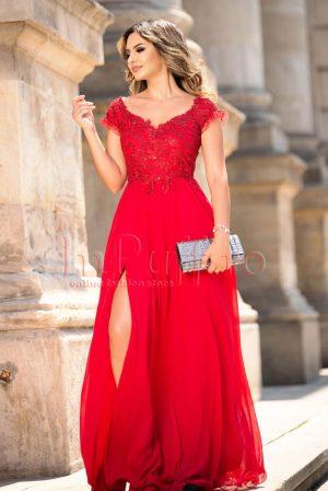Rochie de ocazie lunga rosie din voal plisat si broderie