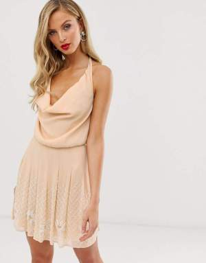 Rochie de zi eleganta cu spatele gol Asos