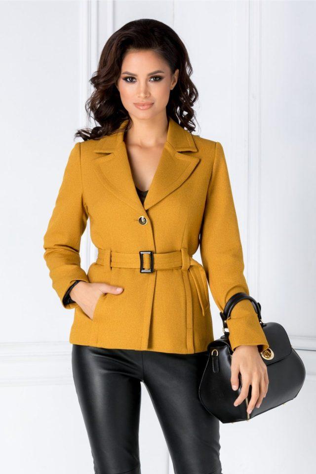 Jacheta galben mustar cu buzunare laterale si cordon datasabil