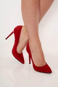 Pantofi rosii eleganti din piele naturala cu toc inalt si varful ascutit