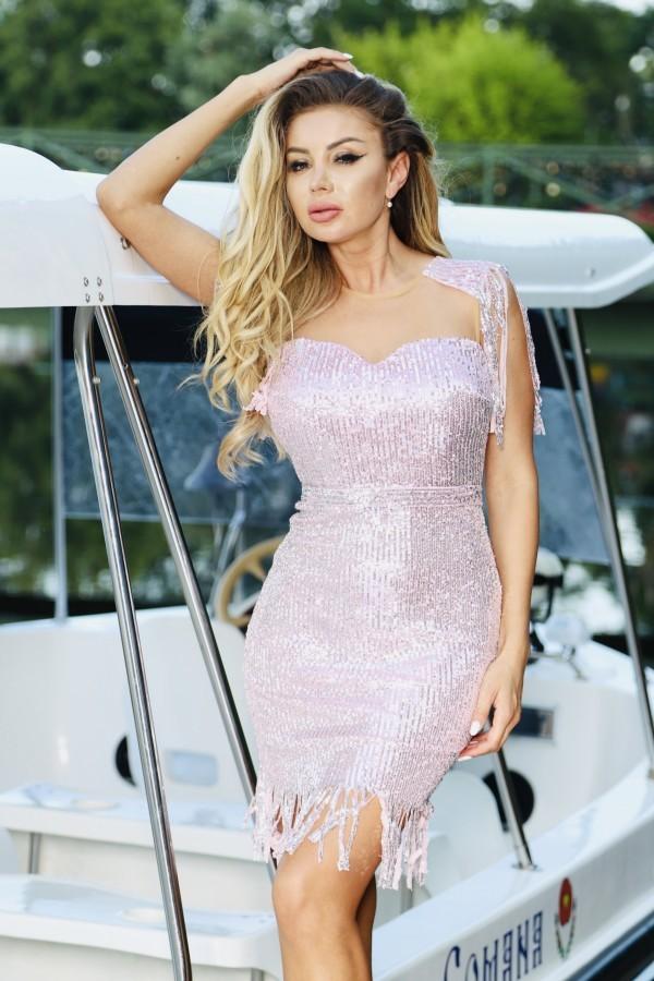 Rochie roz cu franjuri si paiete