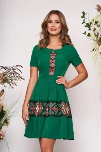 Rochie verde scurta eleganta de zi in clos cu maneca scurta