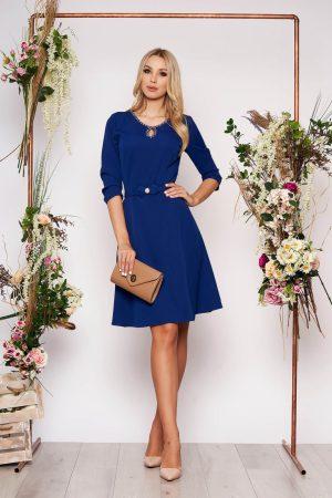 Rochie albastra eleganta in clos din material fin la atingere