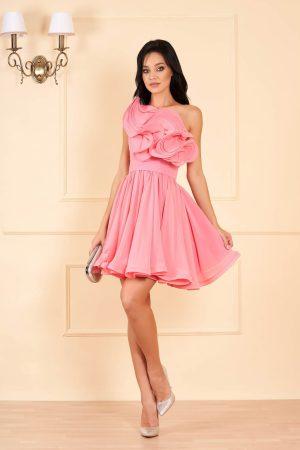 Rochie eleganta roz scurta de lux in clos din voal pe umar cu volanase