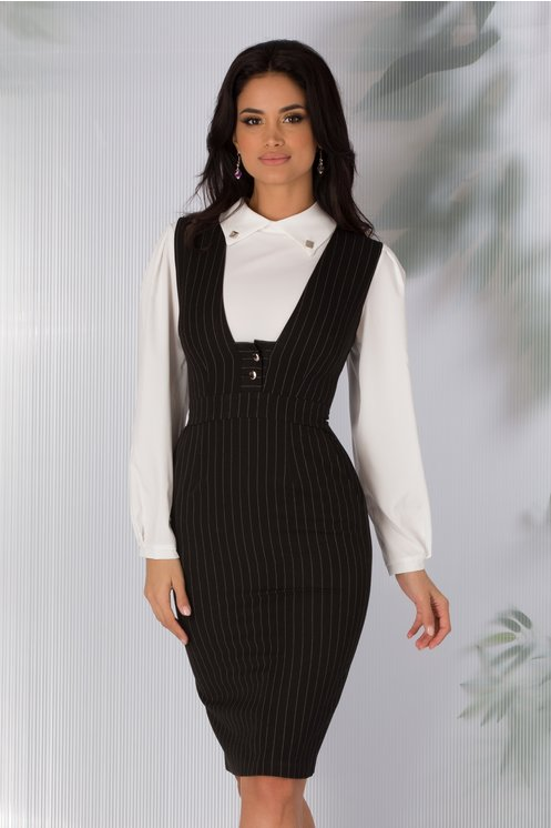 Rochie eleganta tip sarafan neagra cu dungi albe si decolteu adanc