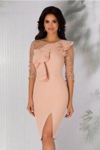 Rochie de ocazie eleganta conica nude rose cu dantela si volan la bust