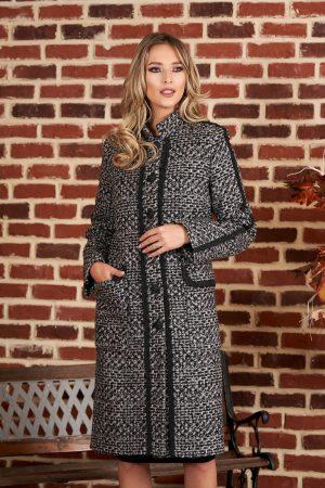 Palton negru casual din stofa cu un croi drept din material gros
