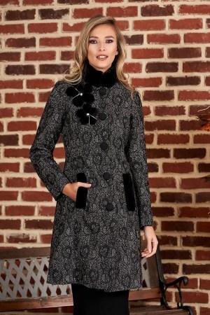 Palton negru elegant din stofa groasa cu croi cambrat cu guler din blana
