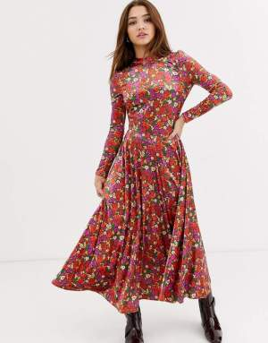Rochie midi eleganta in clos cu imprimeu floral si guler inalt Asos