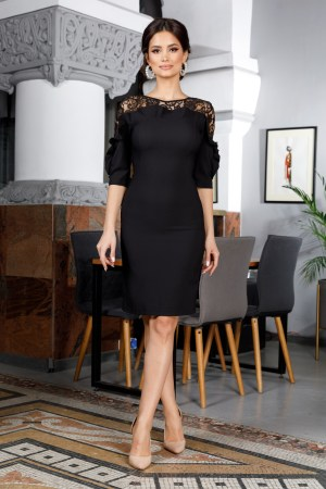 Rochie de ocazie eleganta conica neagra midi accesorizata cu dantela