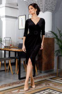 Rochie de ocazie eleganta petrecuta midi din catifea cu decolteu in V