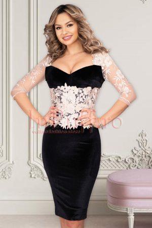 Rochie eleganta de ocazie neagra midi din catifea cu decolteu tip inima