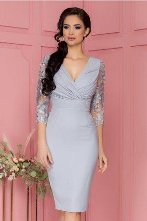 Rochie eleganta gri cu manecile din tull brodat si flori 3D aplicate