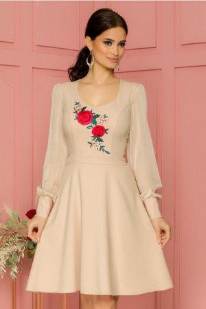 Rochie eleganta midi in clos bej cu broderie florala si decolteu rotund