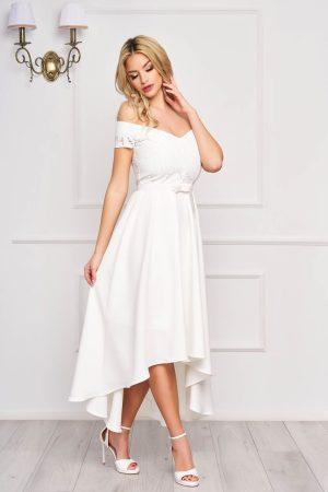 Rochie eleganta de ocazie alba asimetrica in clos cu decolteu cu fundita