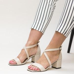 Sandale nude cu toc din piele eco intoarsa