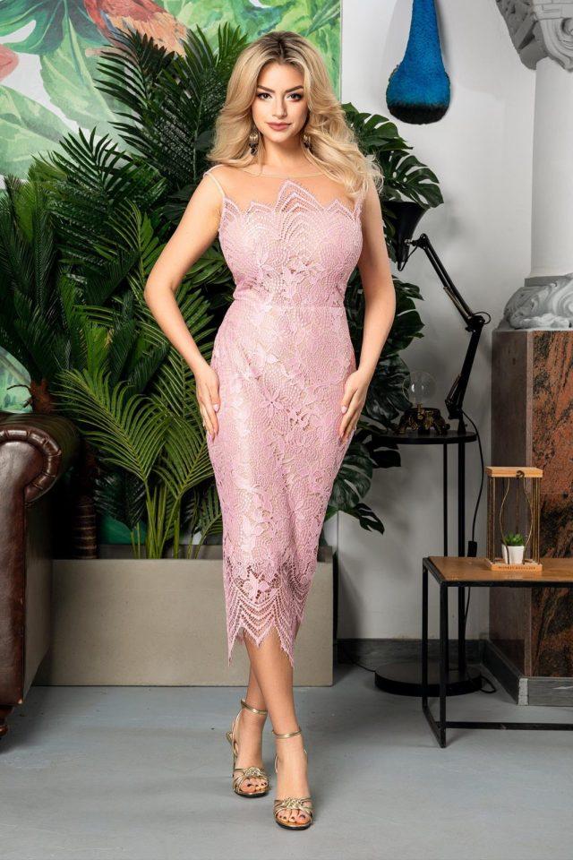 Rochia eleganta roz din dantela