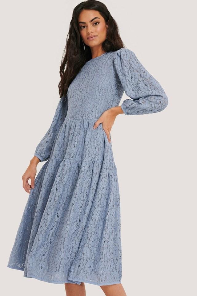 Rochie eleganta midi bleu din broderie