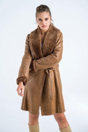 Palton din blană de miel