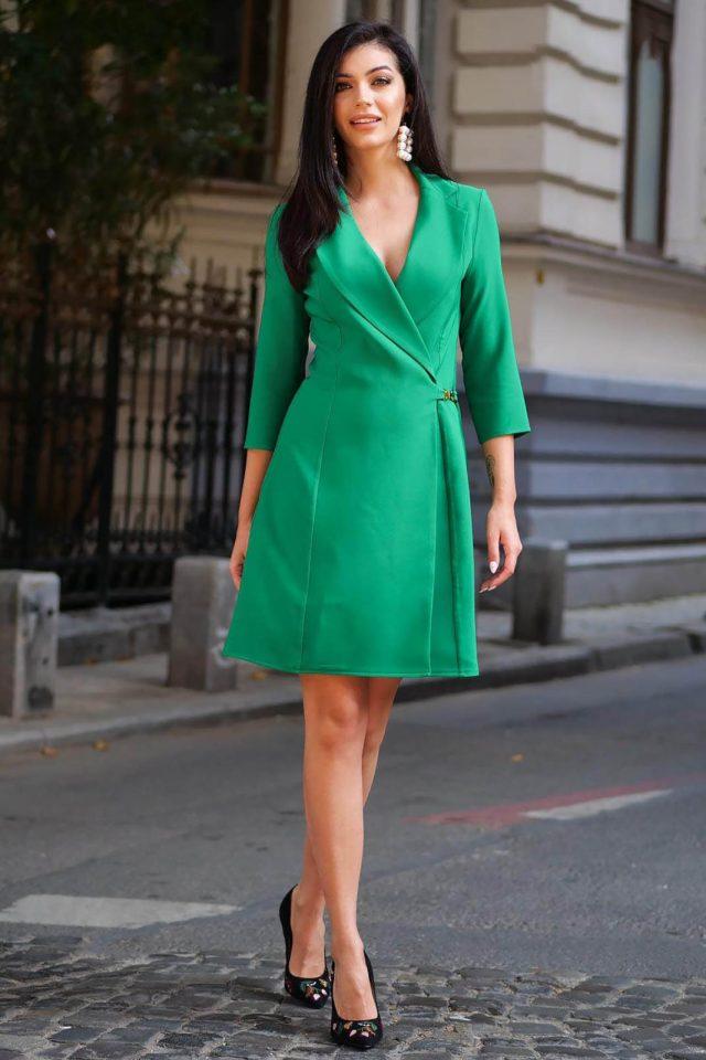 Rochie Artista verde cu croi in a eleganta scurta petrecuta din stofa material subtire