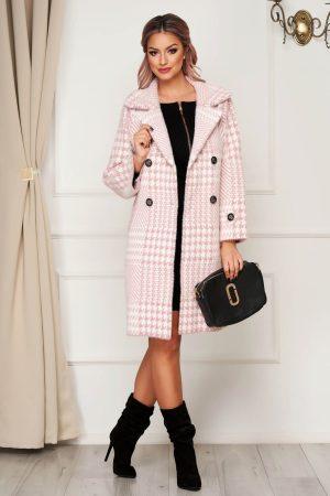 Palton elegant roz din lana cu croi larg in carouri