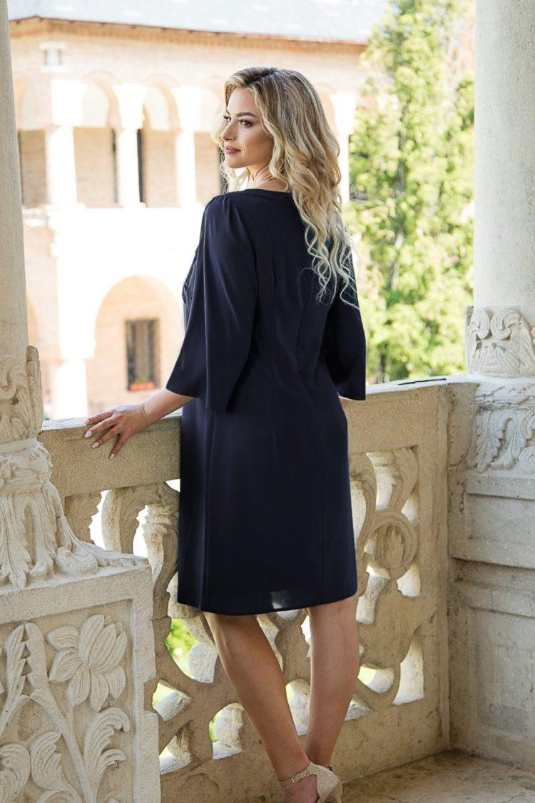 Rochie eleganta cu decolteu rotund bleumarin