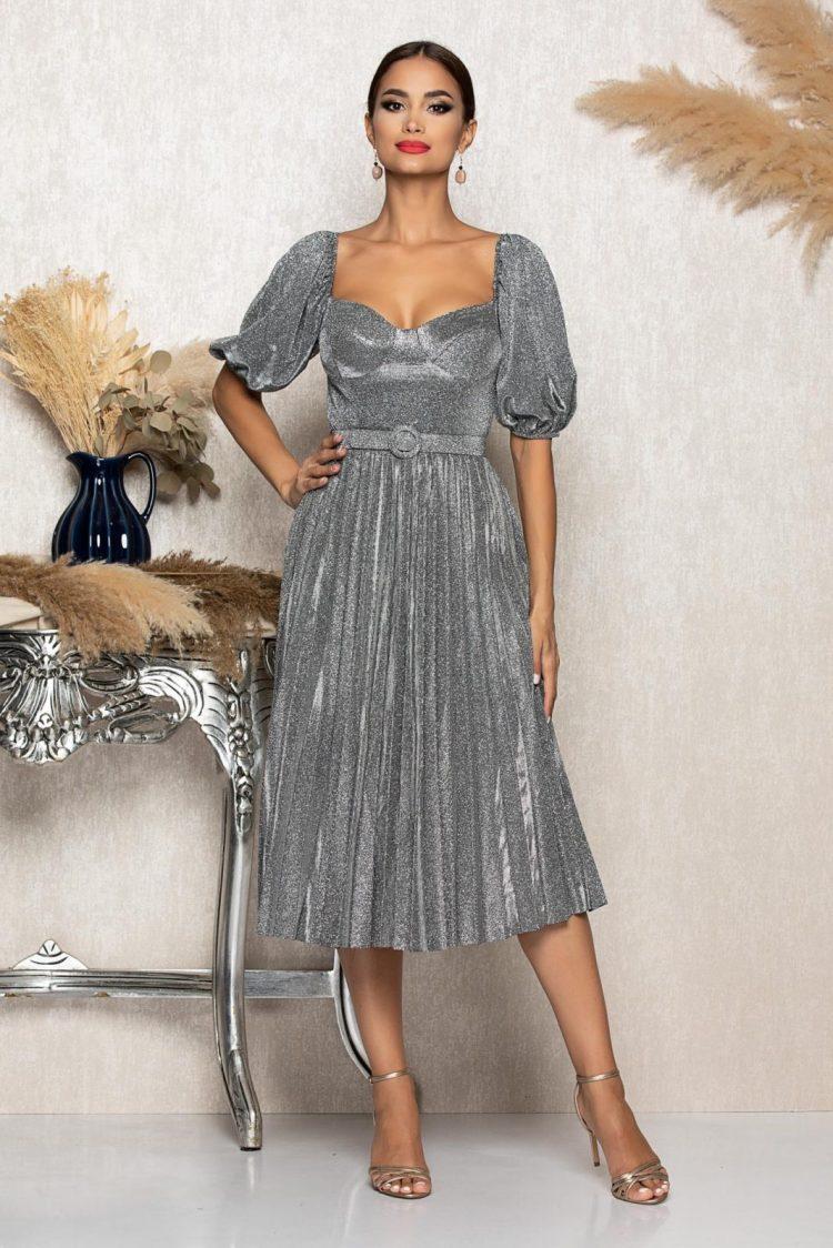 Rochie eleganta midi argintie cu decolteu pe umeri