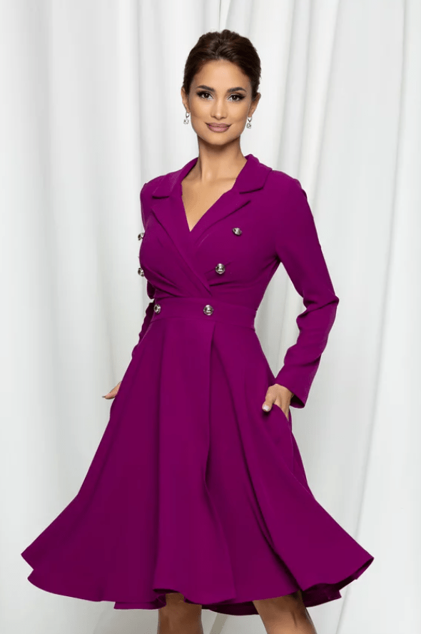 Rochie eleganta magenta cu nasturi decorativi pe bust