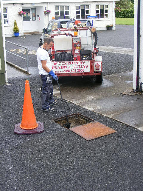 drainage companies sewer cleaning companies | drain cleaners near me | All waste pipes and drains unblocked from €80 per hour, No Call out charge