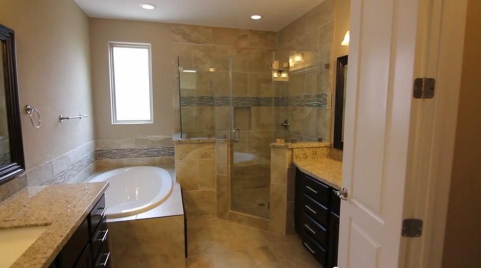 6111 Stillman Master Bath