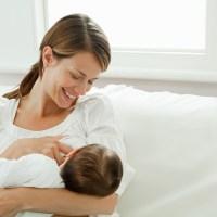 Amamentação: Erros comuns que nos levam a pensar que o bebê mama pouco