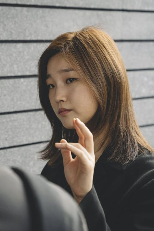 Park So Dam saat menjadi Jessica Quote di Parasite 2019