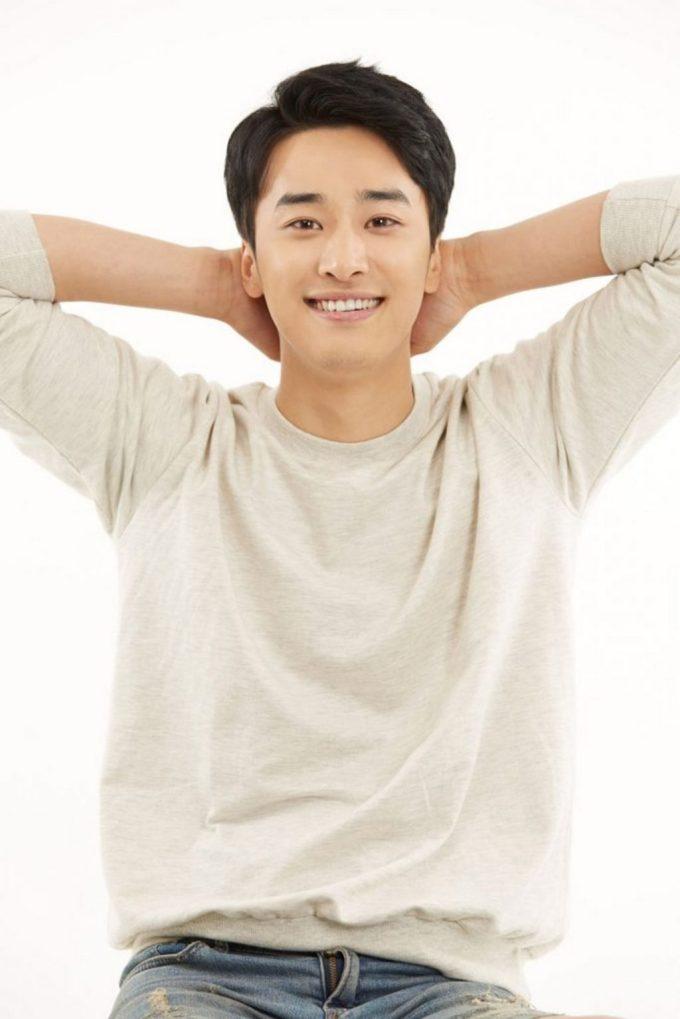 Shin Woo Kyum 1