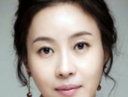 Profil Lengkap Kim Hee Jung