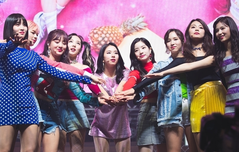 Twice Kpop Superstar Girl Group, Sold Out Major show in Japan Dome Tour