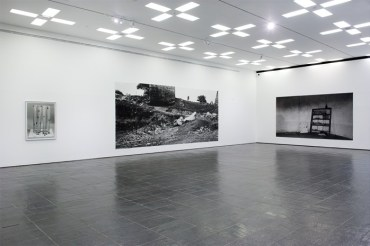 hannah-collins-installation-view-02