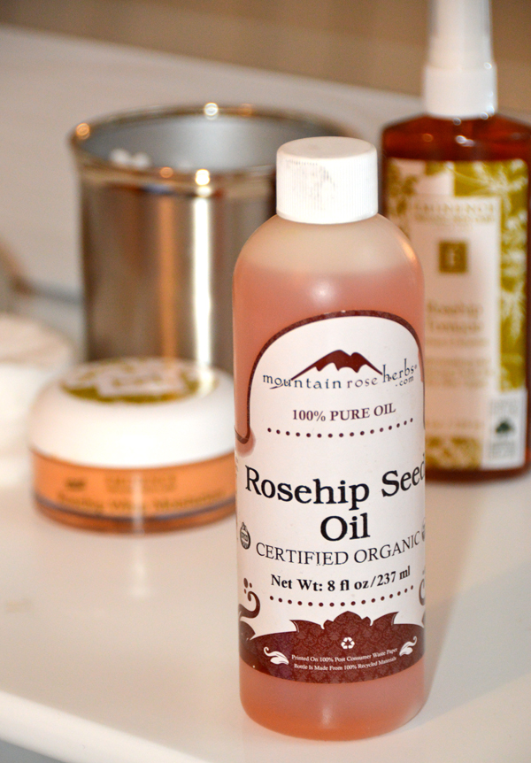Beautiful rosehip seed oil. My favorite.