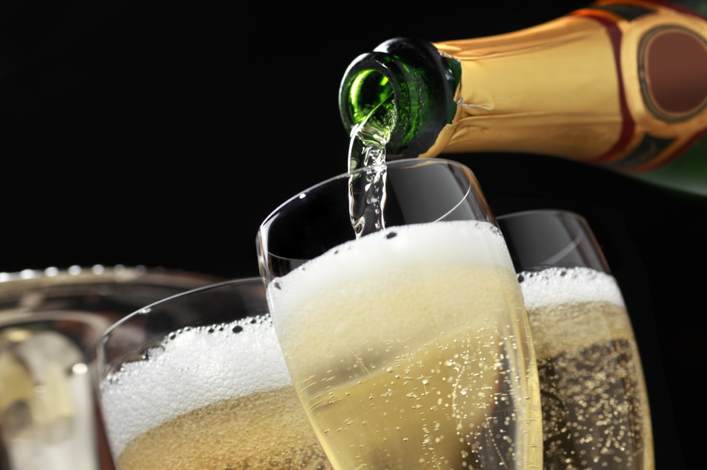 Шампанско и приказки