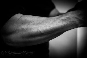 懸垂で手っ取り早く腕相撲(アームレスリング)を強くする方法