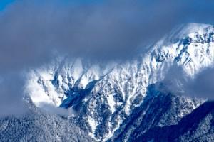岐阜県・奥飛騨にある福地山は冬季の穂高連峰が見える超穴場な絶景ポイント