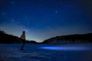 残雪の今がチャンス。長野県戸隠山麓の鏡池は光害が少ない星景撮影のスポット