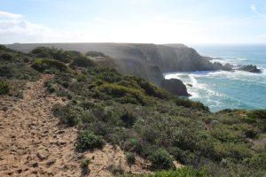Der Fischerweg an der Küste Portugals