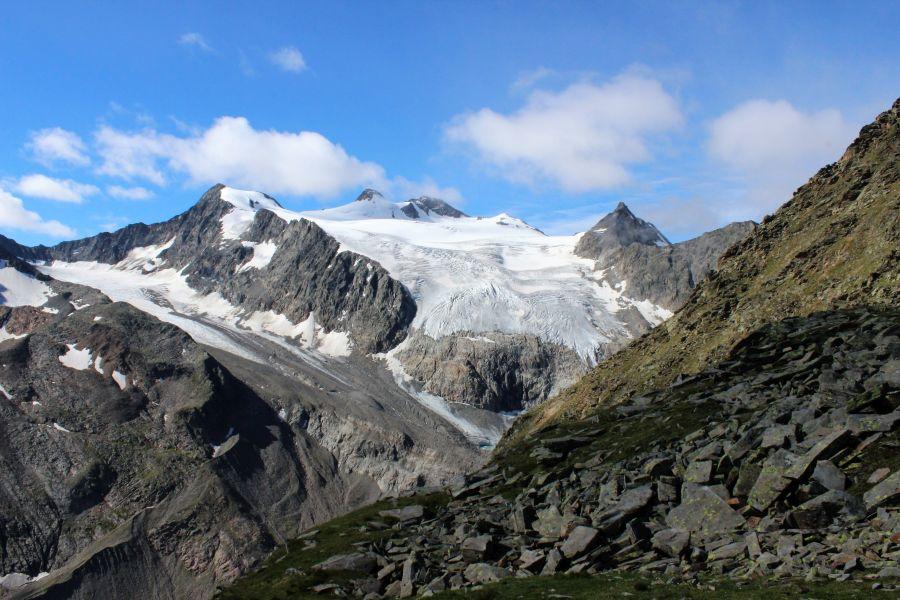 Blick auf Gletscher am Stubaier Höhenweg