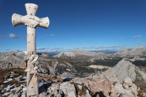 Das Gipfelkreuz der Antonius-Spitze