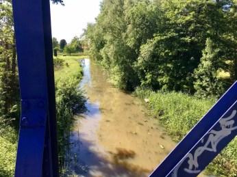 Blaue Brücke auf dem Weg nach Bergedorf